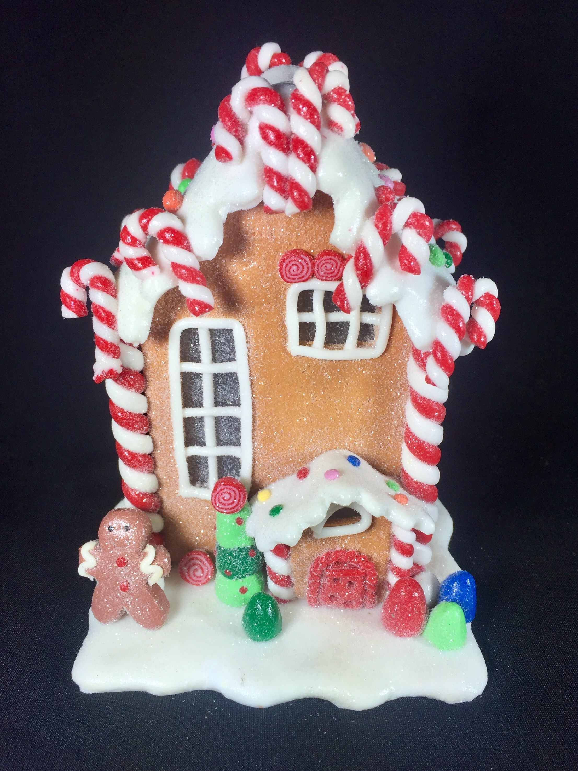 Christmas Gingerbread House.Gingerbread House With Candy Canes